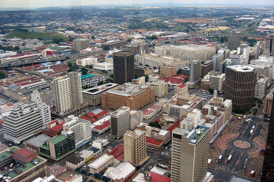 南アフリカ最大の都市ヨハネスブルグの都市部