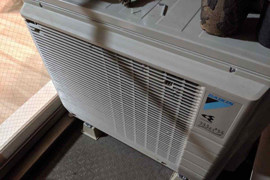 エアコン室外機の画像