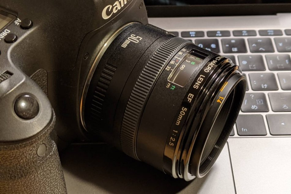 About EF50mm F2.5 Compact Macro