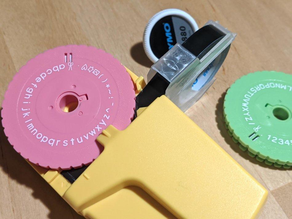 ダイモ M1880 テープライターの文字盤交換